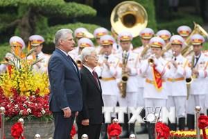 Lễ đón chính thức Chủ tịch Hội đồng Nhà nước Cuba thăm Việt Nam