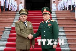 Bộ trưởng Bộ các Lực lượng vũ trang cách mạng Cuba thăm Việt Nam