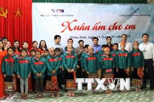 TTXVN tổ chức ''Xuân ấm cho em'' tại huyện miền núi Nghệ An