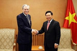 Phó Thủ tướng Phạm Bình Minh tiếp nguyên Bộ trưởng Thương mại Hoa Kỳ