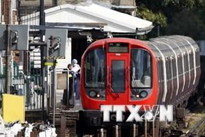 Anh bắt thêm 2 nghi can liên quan vụ đánh bom ga tàu điện ở London