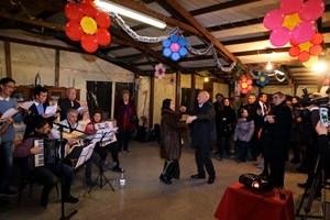 Cộng đồng người Việt rộn ràng đón mừng Xuân Mậu Tuất ở Italy và Séc