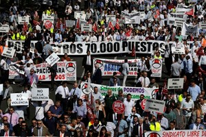 Uber và Cabify biểu tình phản đối với quy định mới ở Tây Ban Nha