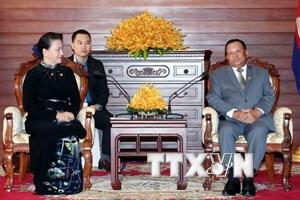 Chủ tịch Quốc hội Việt Nam hội kiến Chủ tịch Thượng viện Campuchia