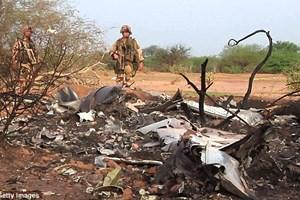Hình ảnh đầu tiên từ hiện trường vụ rơi máy bay của Algeria