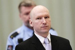 """Breivik thắng kiện chính phủ Na Uy vì bị """"đối xử tàn tệ"""""""