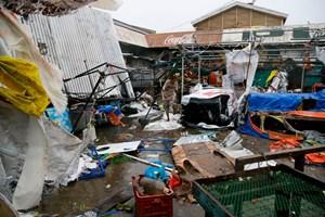 Những hình ảnh kinh hoàng khi siêu bão Mangkhut đổ bộ vào đất liền