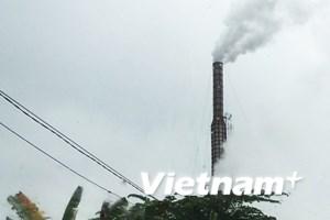 """Bài 4: Cận cảnh thế giới """"lò gạch ma"""" giữa lòng Thủ đô Hà Nội"""