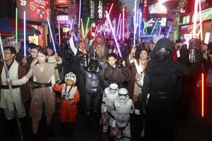 """""""Star Wars"""" phá mọi kỷ lục dù chưa trình chiếu tại Trung Quốc"""