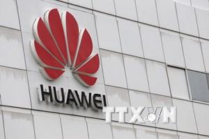[Video] Cấm bán điện thoại Huawei, ZTE trong các căn cứ quân sự Mỹ