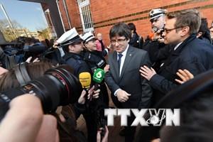 Tây Ban Nha ngăn chặn việc tái bầu ông Puigdemont đứng đầu Catalonia