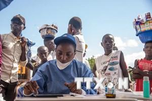 Nước láng giềng lo lắng sau khi dịch Ebola lại bùng phát tại Congo