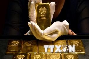 Đồng USD mạnh lên khiến giá vàng châu Á giảm phiên thứ ba liên tiếp