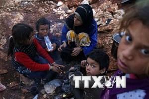 Hàng nghìn người tị nạn Syria đang bị mắc kẹt giữa sa mạc