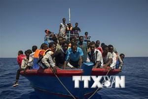 Tình trạng người vượt eo biển Anh xin tị nạn gia tăng đột biến