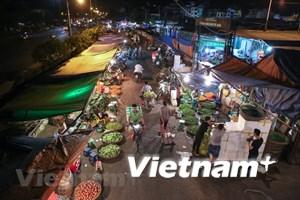 [Video] Lãnh đạo Hà Nội trả lời về việc 'bảo kê' tại chợ Long Biên