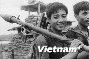 Nhớ thời sinh viên Hà Nội gác bút nghiên ra trận