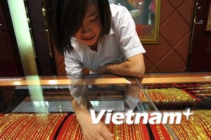 Giá vàng giao dịch trên thị trường châu Á đi xuống
