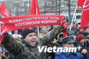 Người dân Nga xuống đường mừng kết quả bầu cử