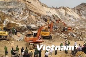 Hơn 1 tỷ đồng giúp gia đình nạn nhân vụ sập mỏ đá