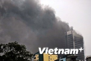 """Chủ tịch Hà Nội yêu cầu điều tra vụ cháy """"tháp đôi"""""""