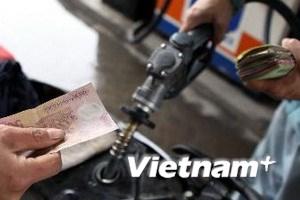 Giá xăng RON 92 chính thức giảm 500 đồng mỗi lít