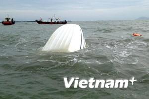 Truy tặng thanh niên dũng cảm trong vụ chìm canô