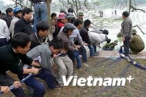 Sử dụng cả lính đặc công để lai dắt rùa hồ Gươm