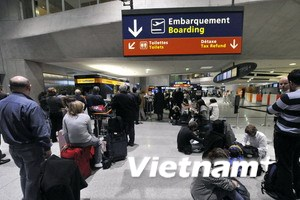 Đường bay châu Âu-Bắc Mỹ đình trệ do tro núi lửa