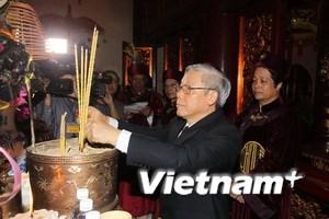 Tổng Bí thư dâng hương tưởng niệm các Vua Hùng