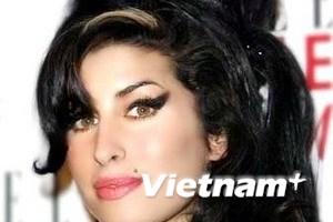 """Nữ ca sĩ Amy Winehouse gặp rắc rối vì """"quậy"""""""
