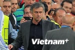 Barca kiện Mourinho