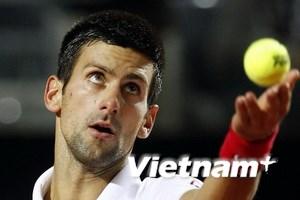Novak Djokovic gặp khó khăn tại Roland Garros