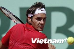 """Federer thẳng tiến tứ kết sau """"nội chiến"""" Thụy Sĩ"""