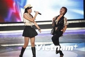 Uyên Linh và Mai Hương xuất sắc đêm chung kết