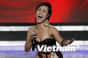 """Uyên Linh trở thành """"Thần tượng Việt Nam 2010"""""""