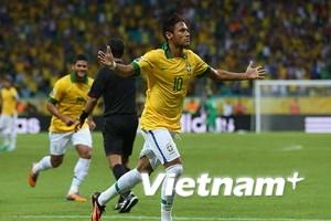 Neymar lập công, Italy tiếp tục ôm hận trước Brazil