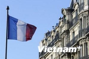Pháp bị hạ tín nhiệm?