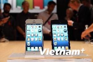"""Apple """"lừa"""" người tiêu dùng về phụ kiện iPhone 5?"""