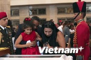 Hình ảnh người dân tiễn biệt cố Tổng thống Chavez