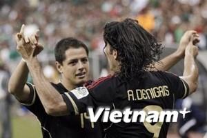 Chicharito đưa Mexico lọt vào chung kết với Mỹ