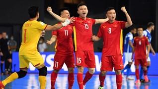 Khoảnh khắc tuyển futsal Việt Nam sút tung lưới Brazil ở World Cup