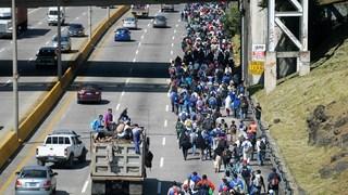 Dòng người di cư tiếp tục đổ tới Mỹ qua Guatemala và Mexico