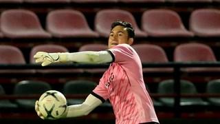Đặng Văn Lâm mắc sai lầm ở trận ra mắt Muangthong United