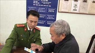 Hà Nôi: Cảnh sát khu vực ứng dụng công nghệ kết nối với người dân