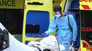 Anh ghi nhận thêm hơn 600 ca tử vong do COVID-19