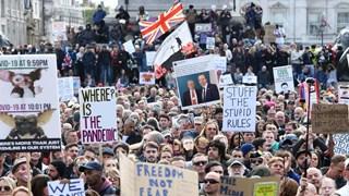 Anh: Người biểu tình đụng độ cảnh sát tại quảng trường Trafalgar