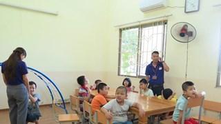 Trao gửi tình yêu, gieo niềm hy vọng cho trẻ khuyết tật