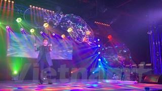 [Video] Chương trình độc đáo của 'phù thủy bong bóng' Fan Yang