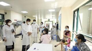 Kiểm tra công tác tiêm vaccine phòng COVID-19 tại Bệnh viện Hữu nghị